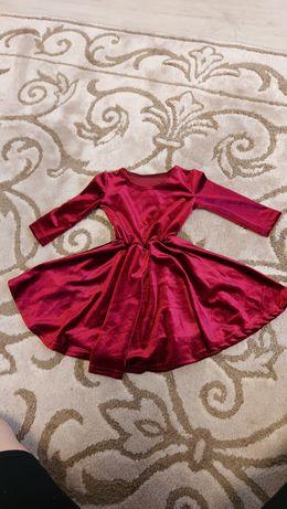 Детское велюровое платье
