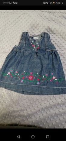 Piękna sukienka jeansowa z haftem Kappahl rozmiar 68