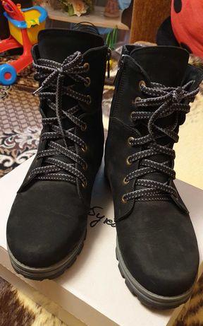 Кожаные сапоги ботинки 39 размер нубук на шнуровке