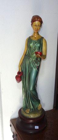 Estatueta antiga de Mulher com cântaro