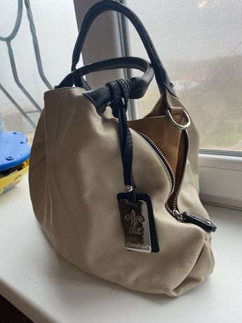Продам сумку кожанную Италия