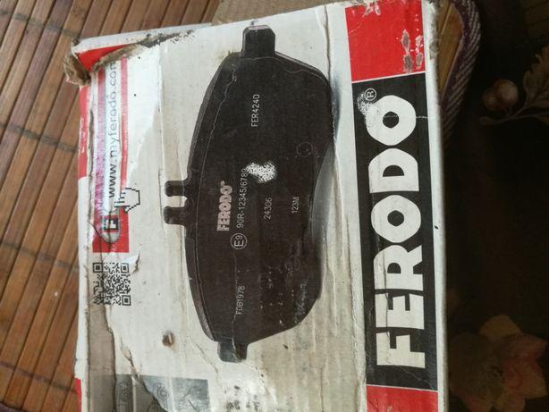 Тормозные колодки передние Mercedes W210 FERODO FDB1050