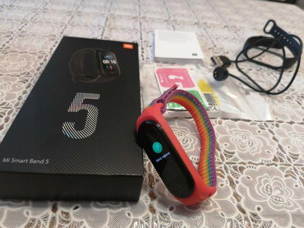 Xiaomi mi band 5, opaska sportowa +nowe dodatki.