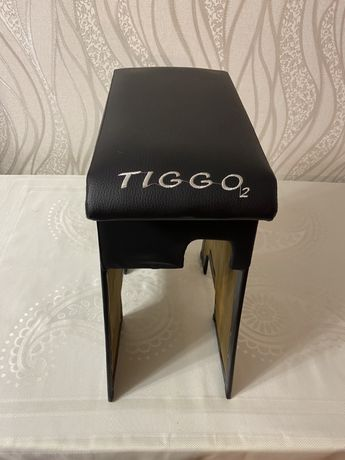 Подлокотник Chery Tiggo 2