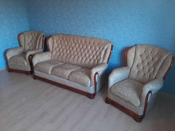 Перетяжка и реставрация мягкой мебели