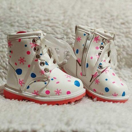 Ботинки на девочку 22-27размер