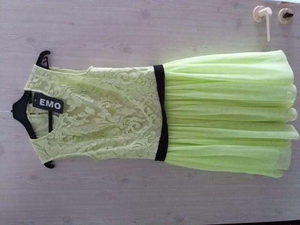 Sukienka śliczna Nowa S