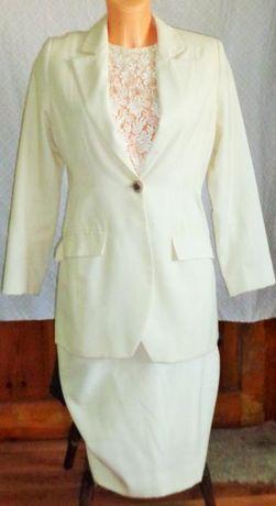 Elegancki kostium ecru z wełny roz.M