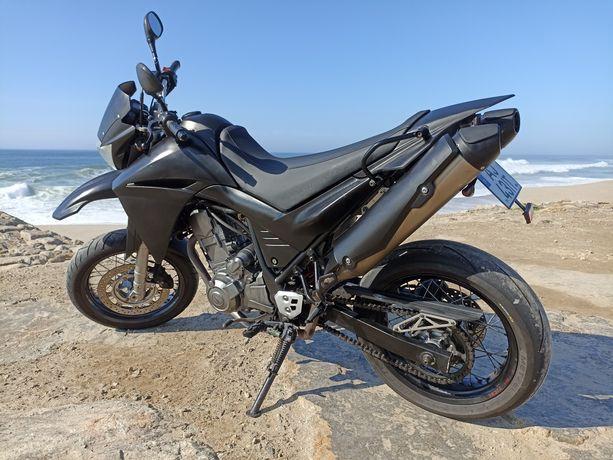 Yamaha XT660 Super Motard
