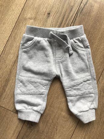 Spodnie dresy 56