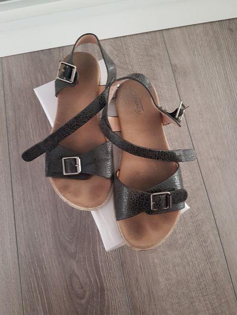 Sandały, sandałki na lato