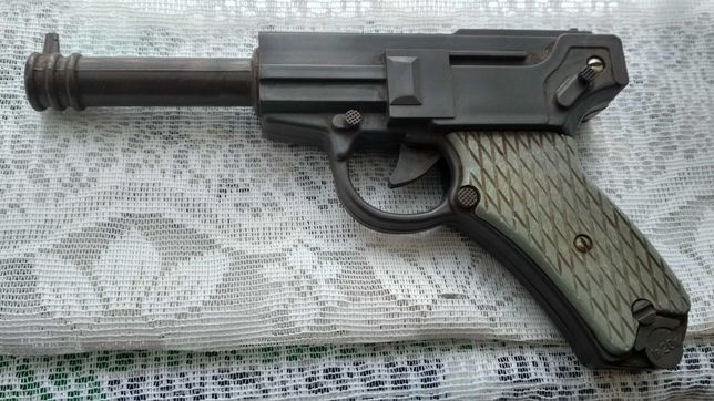 Детская игрушка 'Пистолет ВАЛЬТЕР' 1973г.