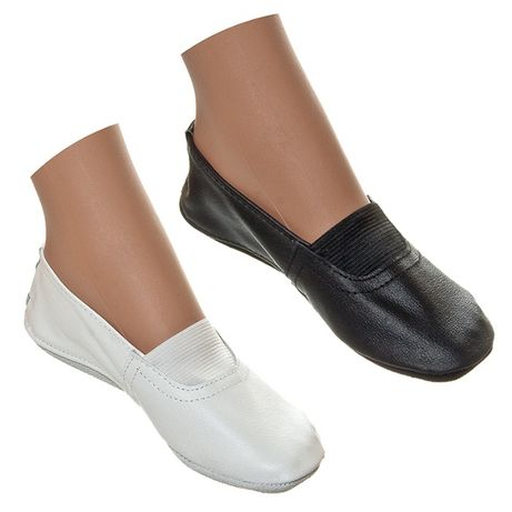 Кожаные черные, белые чешки на мальчика и девочки садика, школы танцев