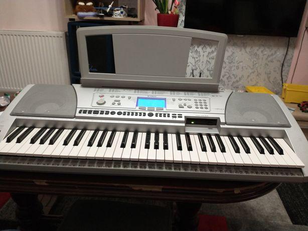 Keyboard Yamaha psr-450 + stacja dyskietek do komputera