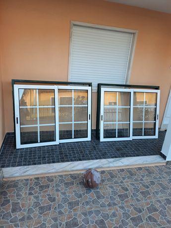Tenno 2 conjuntos janelas de alumínio com vidros duplos.