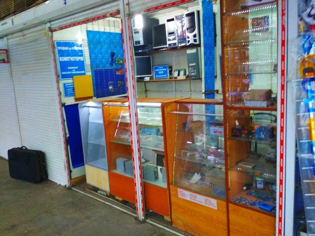 Продам торгівельні вітрини ( шафи, стелажі ) в магазин - 3 секції Б/У