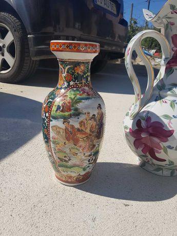 Peças em porcelana pintadas a mão
