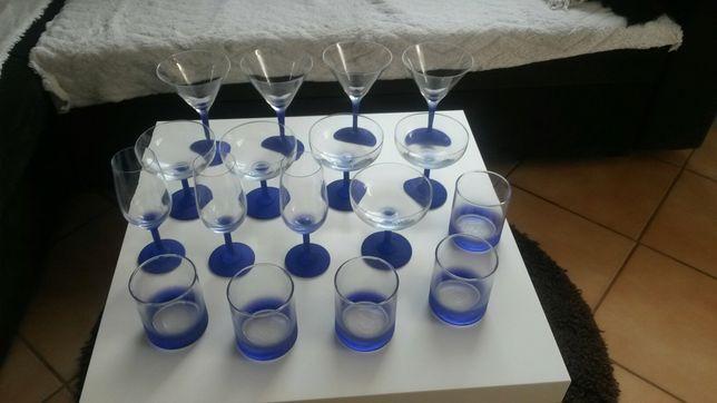 Kieliszki lampki do wina, szampana,literatki 17 elementów