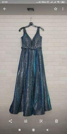 Шикарное платье можно на свадьбу можно на выпускной цена договорная!!!