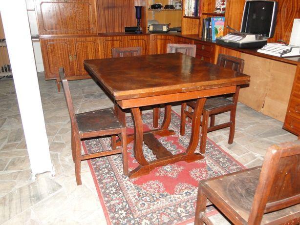 Mesa antiga extensível - Bom estado geral - Só a mesa, as cadeiras são