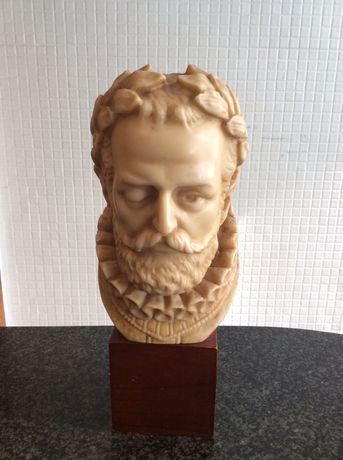 Busto Luís Vaz de Camões