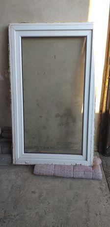 Okno prawe 144×87 po demontażu