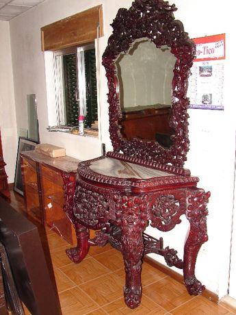 credencia mesa e 4 cadeiras em madeira maçiça de pau rosa-antiguidades