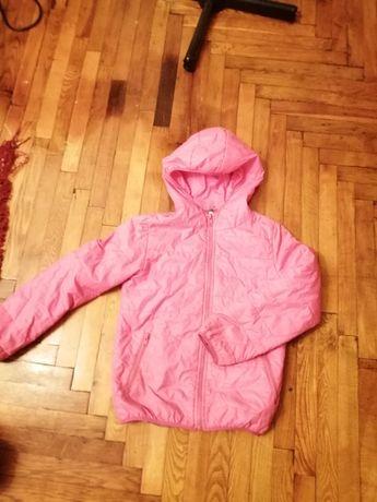 Продам осенне весеннюю курточку на девочку 7-8 лет