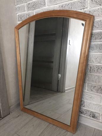 Зеркало в раме из дерева. Добротное.