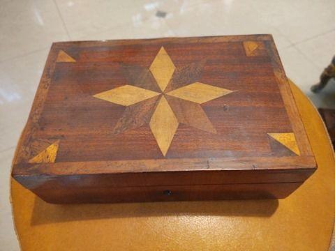 Drewniana szkatułka Art-Deco, intarsje Bielsko-Biała - image 1