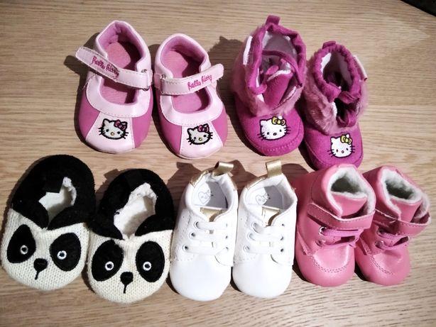 Lote de sapatos menina