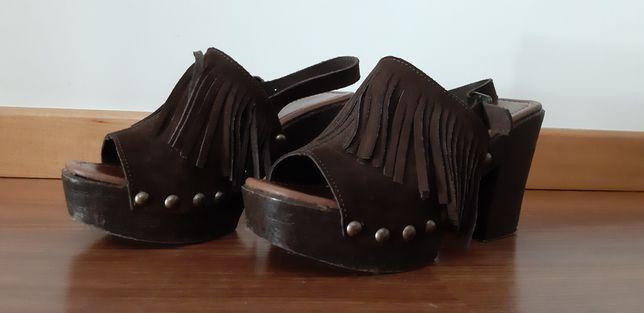 Sandalias usadas em bom estado