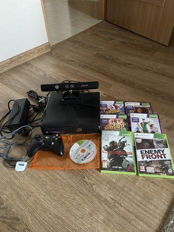 Xbox 360s Slim z kinectem