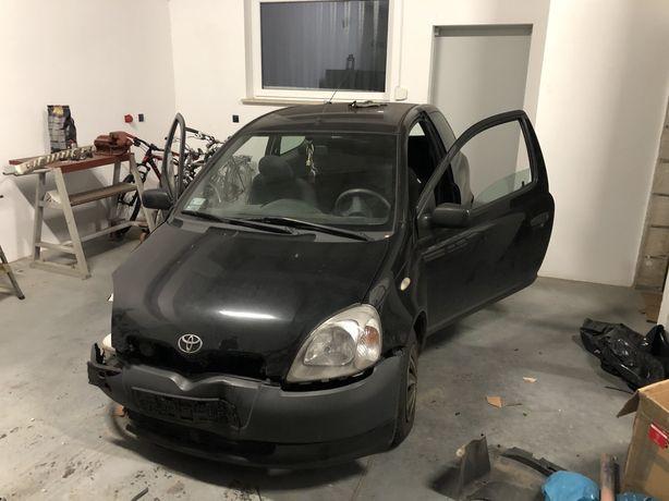 Toyota yaris 1.0 na części