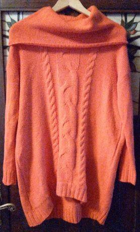 Długi sweter damski z szerokim golfem