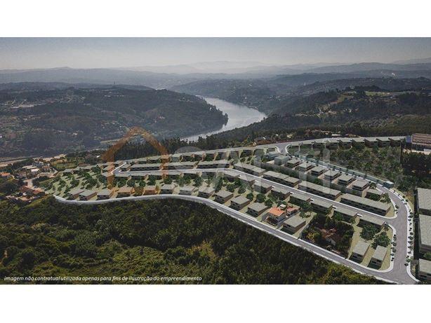Terreno para construção (hab. colectiva) proximo ao Douro