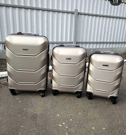 Валіза чемодан Новий 147 Дорожний на 4 колес дорожній чемодан