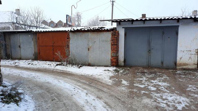 Гараж Мельниченка 120-122