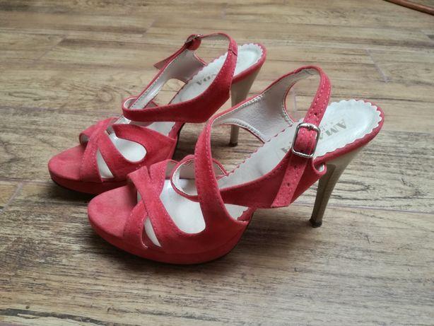 Sandałki rozmiar 40