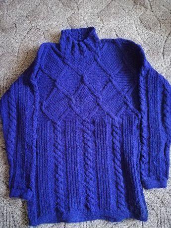Ciepły, piękny ręcznie robiony sweter, granatowy. Wysoka jakość