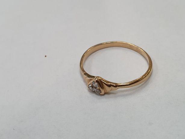 Piękny! Klasyczny złoty pierścionek damski/ 585/ 1.58 gram/ R18/ Gdyni