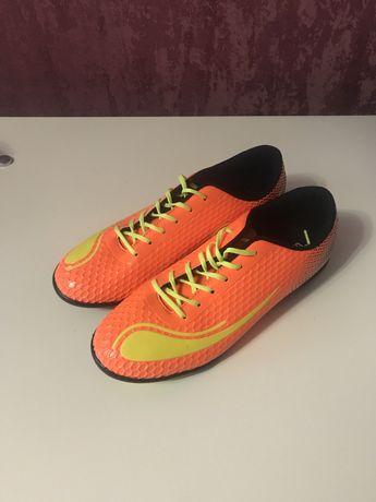 Кроссовки для футбола WALKED