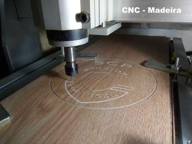 Desenho gráfico, impressão 3D e CNC.