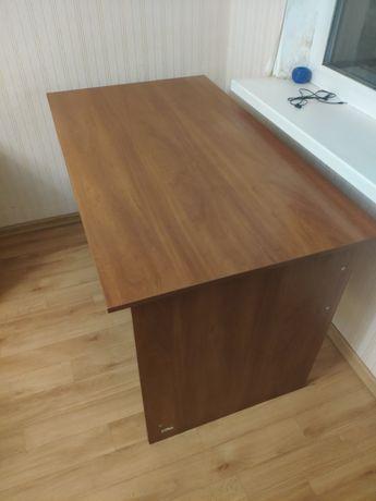 Офисный / компьютерный стол