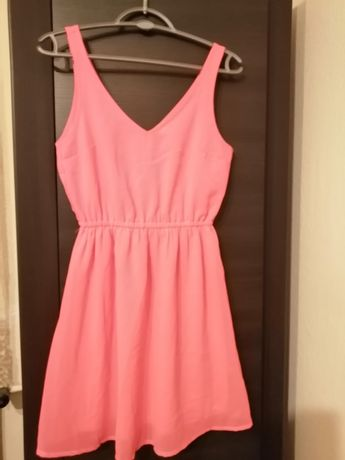 Piękna różowa neonowa sukienka 34/36