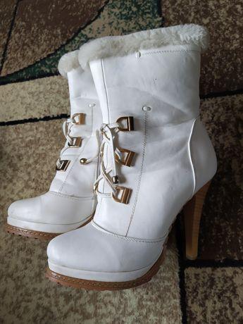Зимові сапожки, весільні сапожкі, чобітки