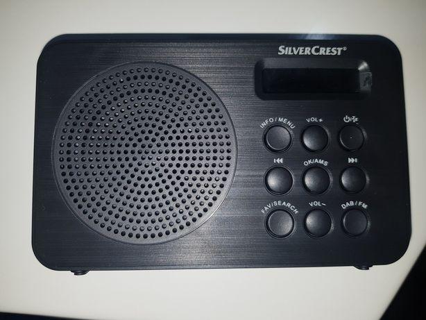 Małe radio SilverCrest DAB+