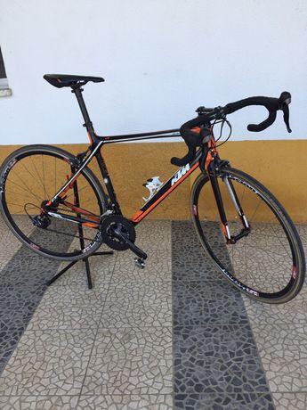 KTM Revelator 3500 Carbono