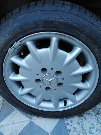 Jantes Mercedes com pneus