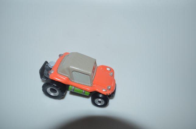 Машинка из мультика тачки